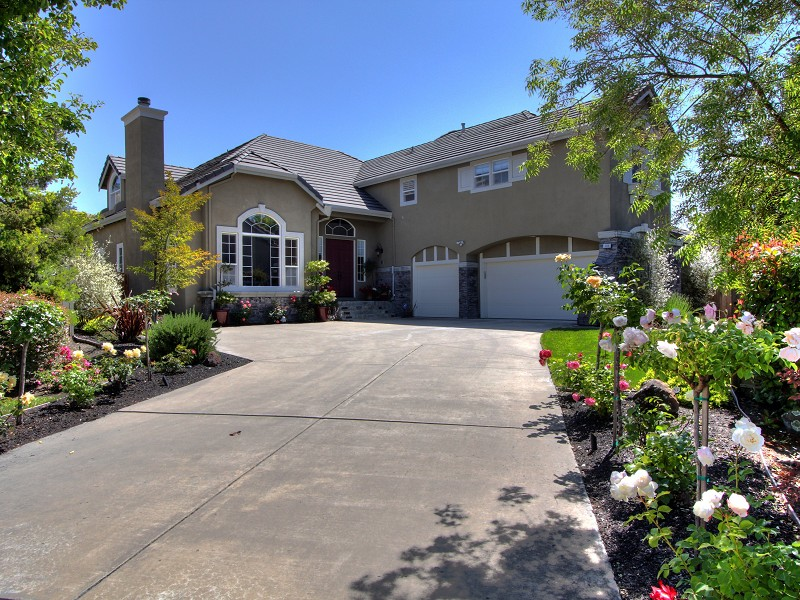NEW LISTING! Gorgeous 5BR/3.5BA Home in Danville, CA (1/3)