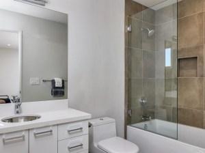 039_Ensuite Bath